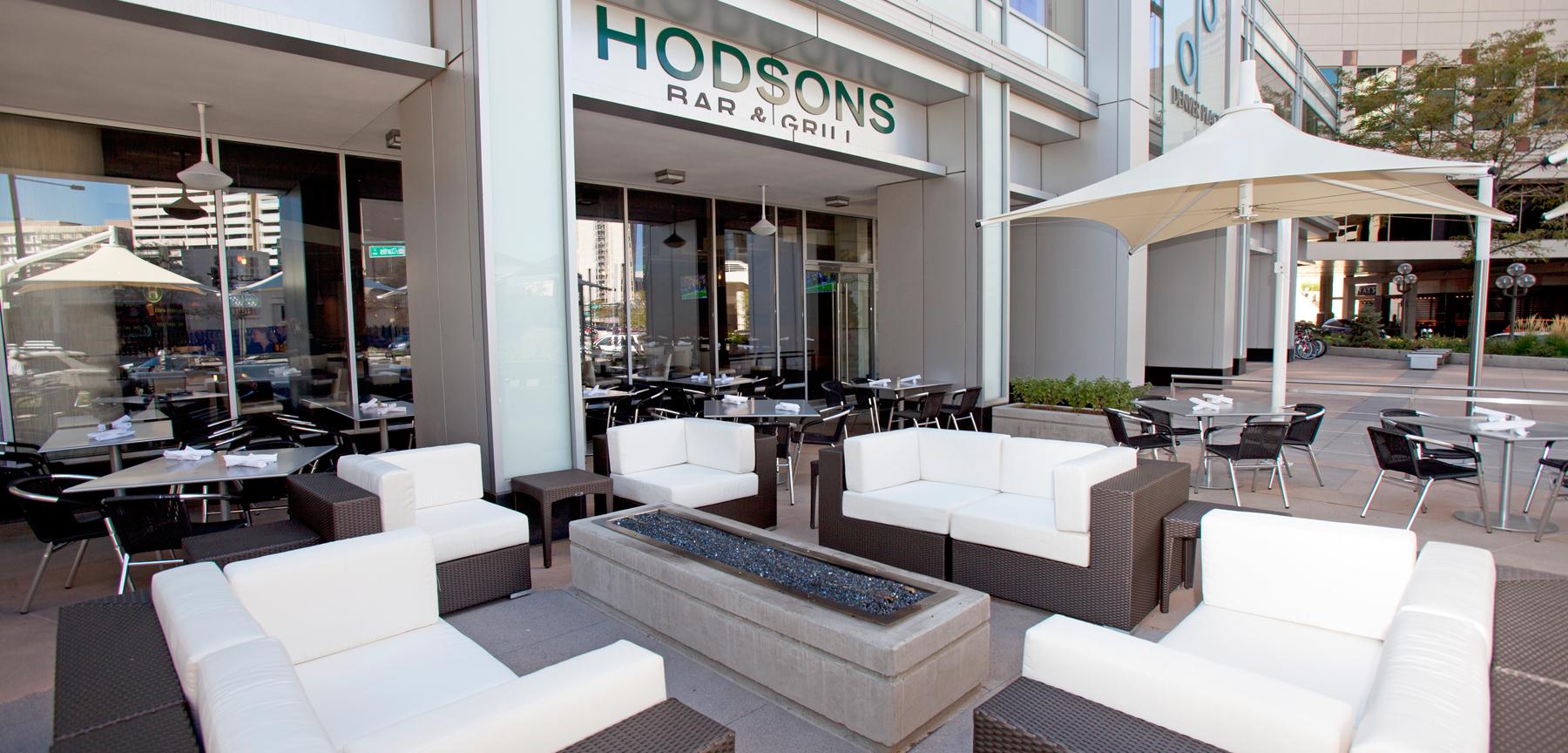 Hodson's Bar & Grill patio