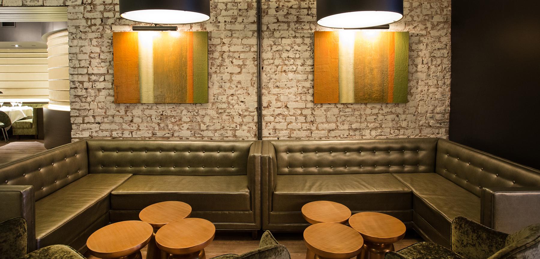 Rioja restaurant group seating